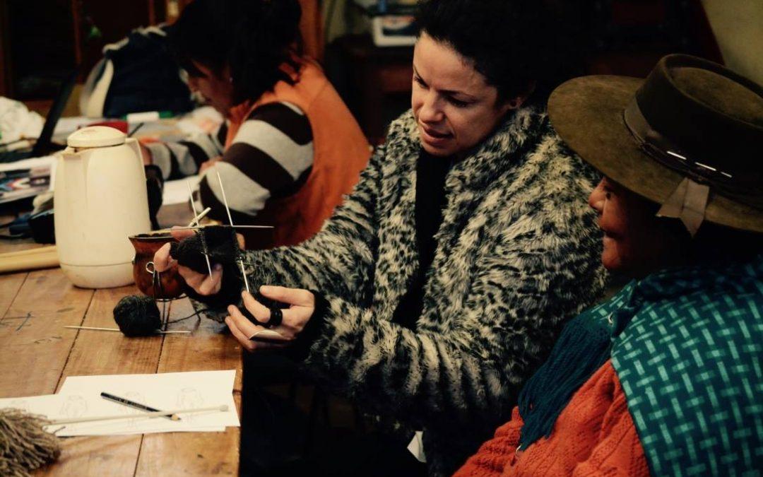 Diseños de artesanos rurales pueden comprarse online