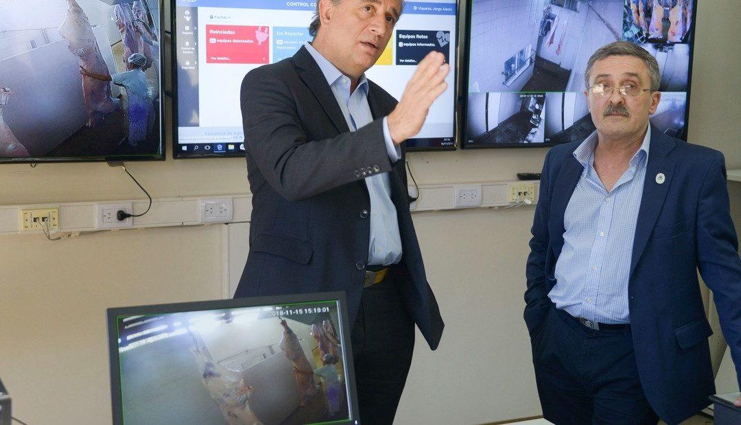 Agroindustria presentó el centro de monitoreo de los controladores electrónicos de faena (CEF)