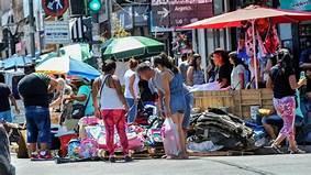 La venta ilegal callejera en CABA subió 11,3% en octubre, según un informe privado