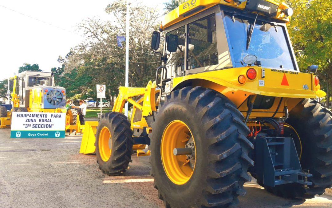Goya recibió equipamiento para mejorar caminos rurales