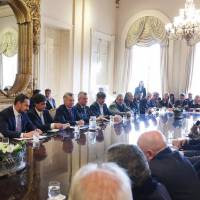 Macri y Etchevehere encabezaron una nueva reunión de la Mesa de Ganados y Carnes
