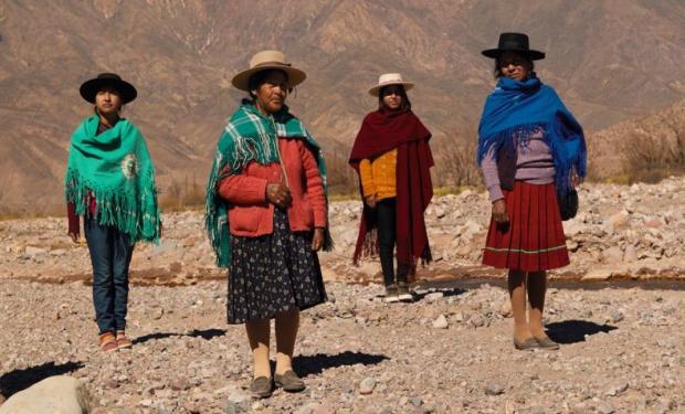 Mujeres rurales: la diseñadora coya que viajó 1600 km para contar su experiencia