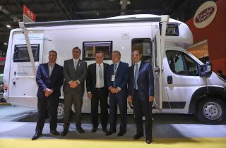 Lanzaron tres vehículos especialmente diseñados para el sector turístico