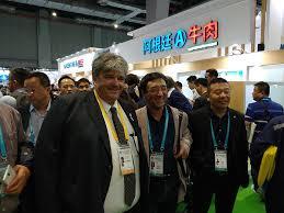 Un hormiguero de importadores en la CIIE de China
