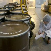China habilitó 18 establecimientos para exportación de miel