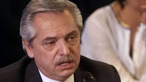 Mucha deuda, demasiada inflación y poca actividad, balance del primer mes de gestión de Alberto Fernández, según Ecolatina