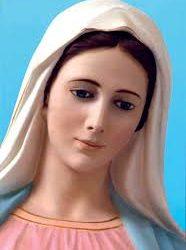 """Reina de la Paz: """"Estoy con vosotros durante tanto tiempo porque Dios es grande en Su amor y en mi presencia"""""""