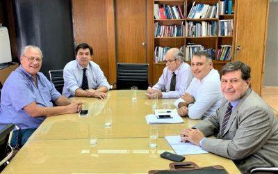 La Federación de la Carne se reunió con Moroni por la aplicación del decreto que prohíbe el traslado de media res al hombro