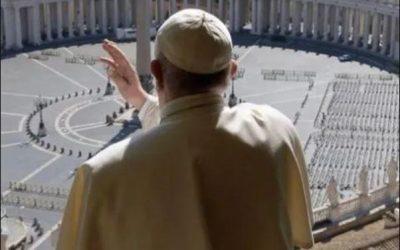 El papa Francisco pidió rezar el miércoles al mediodía un Padrenuestro y el viernes dará una bendición extraordinaria