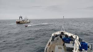 Capturaron un buque pesquero portugués pescando ilegalmente en aguas argentinas