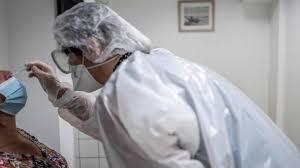 El Gobierno informó 470 nuevas muertes por coronavirus, pero sólo 33 se produjeron hoy