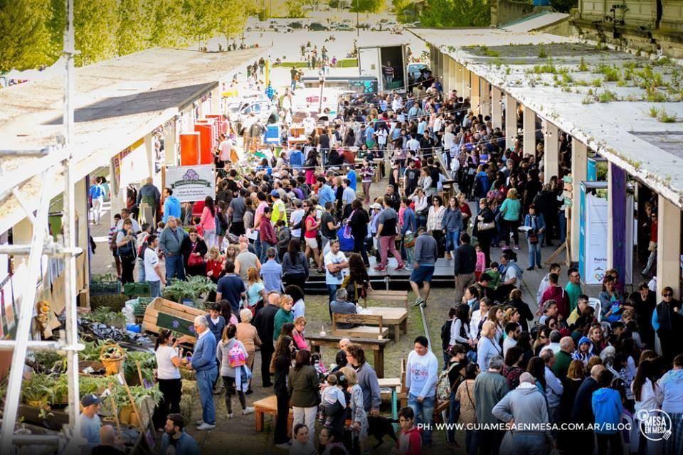 En Argentina es tiempo de alcauciles y la fiesta no se suspende por la pandemia