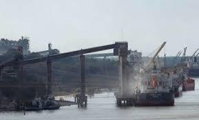 """Se paraliza la actividad en los puertos: """"La medida anunciada es un acto de extrema irresponsabilidad"""""""